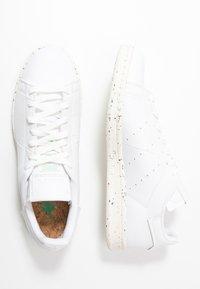 adidas Originals - STAN SMITH PRIMEGREEN VEGAN - Sneaker low - footwear white/offwhite/green - 4