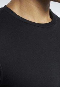 Reebok - T-shirts basic - black - 3
