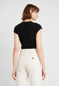 New Look - CREW NECK BODY - Basic T-shirt - black - 2