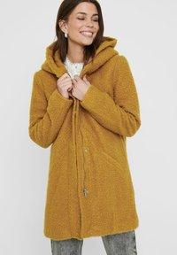 JDY - JDYSONYA - Classic coat - golden brown - 3