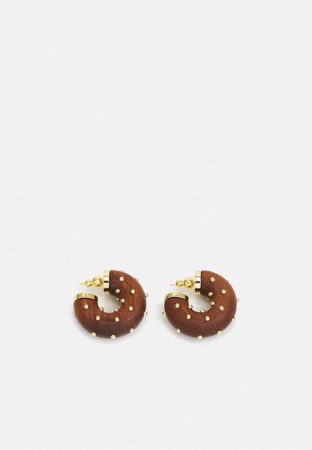 ODA STUDDED EARRING - Orecchini - chestnut
