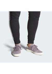 adidas Originals - 3MC SHOES - Joggesko - purple - 0