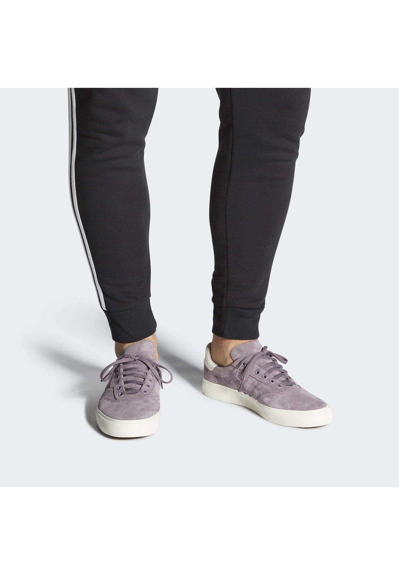 adidas Originals - 3MC SHOES - Joggesko - purple