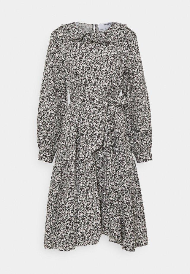 SLFMOANA MIDI FRILL COLLAR DRESS - Day dress - black