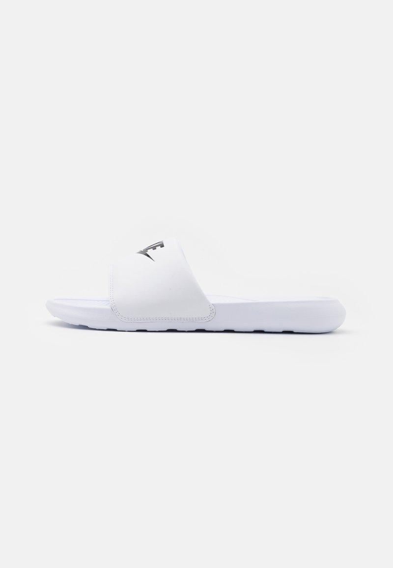 Nike Sportswear - VICTORI ONE SLIDE - Slip-ins - white/black