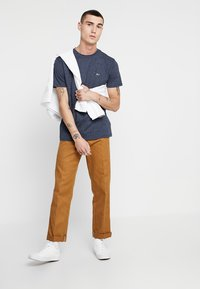 Tommy Jeans - TJM BLENDED TEE - T-shirt basic - blue - 1