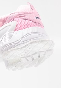 adidas Originals - EQT GAZELLE RUNNING-STYLE SHOES - Matalavartiset tennarit - true pink/tech mint - 2