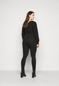CAPSULE by Simply Be - Jeans Skinny Fit - black - 2