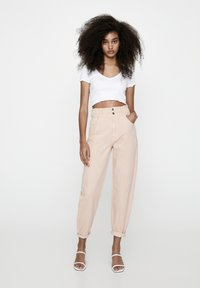 PULL&BEAR - Relaxed fit jeans - rose gold - 1