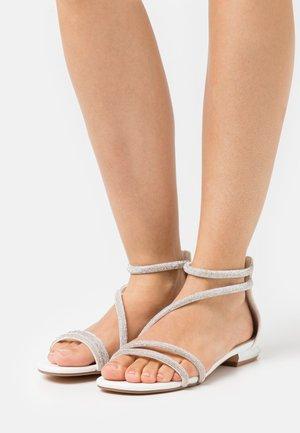 Sandalen - soft bianco