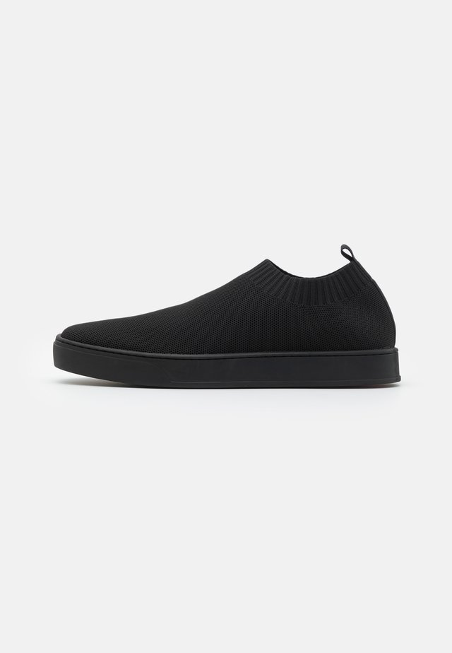 OYA - Mocasines - black