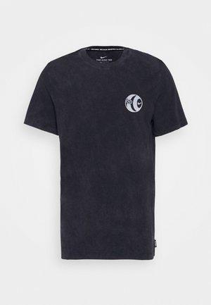 FC TEE SEASONAL - Camiseta estampada - black