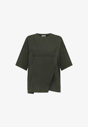 Stitch Detailed - Basic T-shirt - green