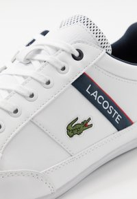 Lacoste - CHAYMON - Trainers - white/navy/red - 5