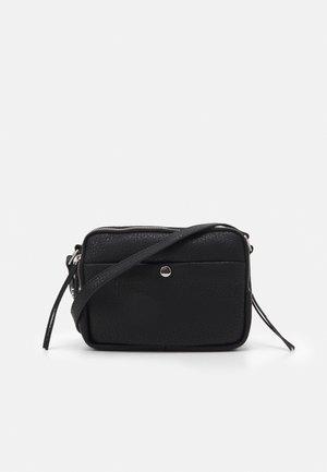 CASUAL CAMERA BAG - Taška spříčným popruhem - black