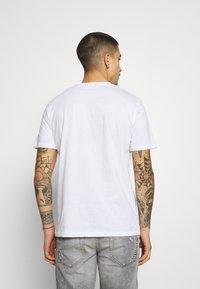 Only & Sons - ONSMIKKEL LIFE TEE - T-shirt med print - white - 2