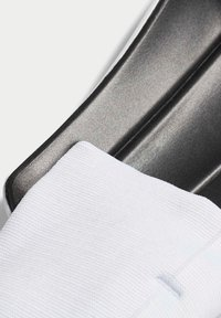adidas Performance - PREDATOR 20 MATCH SHIN GUARDS - Shin pads - white - 4