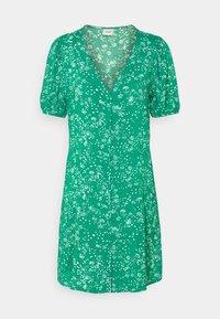 JDY - JDYSTAAR LIFE SHIRT DRESS - Day dress - greenlake/cloud dancer - 4