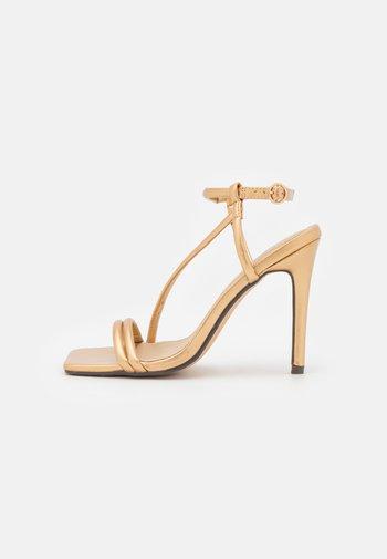 SHAW - Sandaler - gold