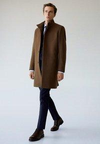 Mango - FUNNEL - Short coat - mittelbraun - 1