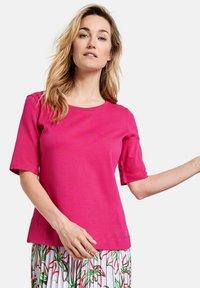 Gerry Weber - Basic T-shirt - azalea - 0