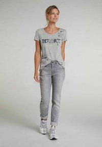 Oui - Print T-shirt - light grey - 1
