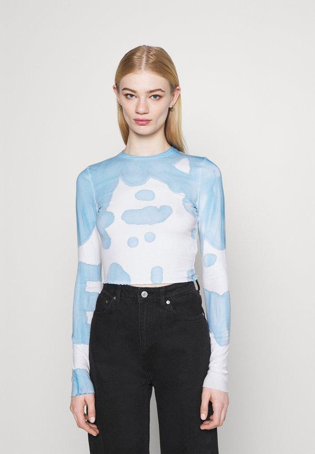 SENA TIE DYE LONG SLEEVE - Langærmede T-shirts - blue with white