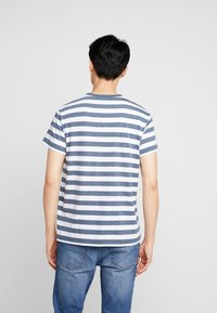 Timberland - STRIPED TEE - T-Shirt print - dark sapphire heather - 2