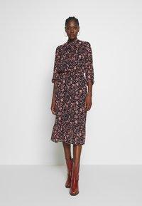 Dorothy Perkins - SHADOW FLORAL PUSSYBOW FRILL HEM DRESS - Sukienka letnia - black - 0