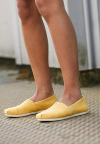 TOMS - ALPARGATA - Slip-ons - yellow - 5