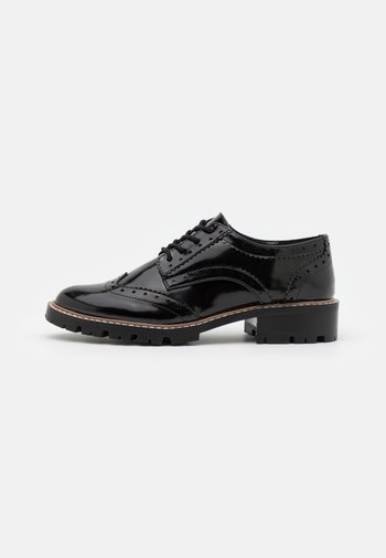 LEAR BROGUE LOAFER