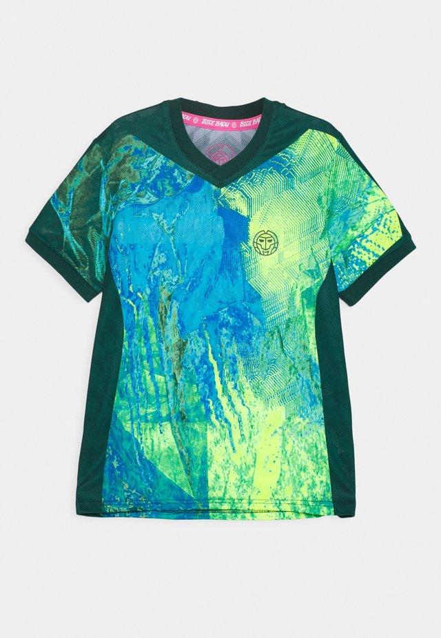 DELANI TECH TEE UNISEX - Print T-shirt - dark green/neon green