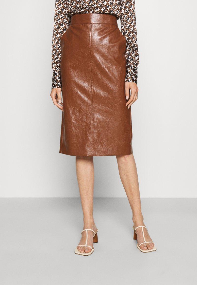 Marella - BARBIAN - Pouzdrová sukně - cuoio