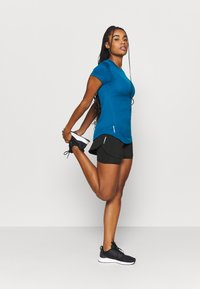 Puma - RUN FAVORITE - Sports shorts - black - 1