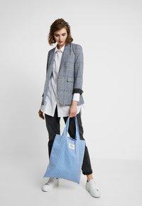 Mads Nørgaard - ATOMA - Tote bag - blue/white - 1