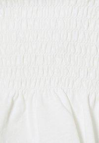 Vero Moda Petite - VMHEATHER SMOCK MIX - Print T-shirt - snow white - 2