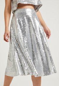 NA-KD - ZALANDO X NA-KD - A-snit nederdel/ A-formede nederdele - silver - 3