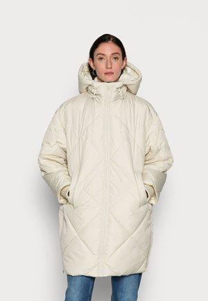 MID LENGTH PUFFER JACKET BIG HOOD - Winter coat - winter dune