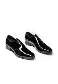 Kazar - OSVALDO - Elegantní šněrovací boty - black - 1