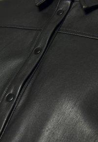 NAF NAF - HROSA  - Button-down blouse - noir - 2