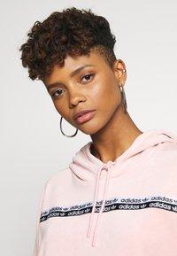 adidas Originals - CROPPED - Jersey con capucha - pink spirit - 3