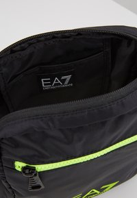 EA7 Emporio Armani - Bandolera - black / neon / yellow - 4