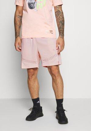Sports shorts - pinktin