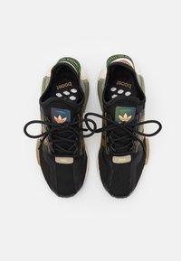 adidas Originals - NMD_R1.V2 BOOST UNISEX - Sneakers - core black/cardboard - 3