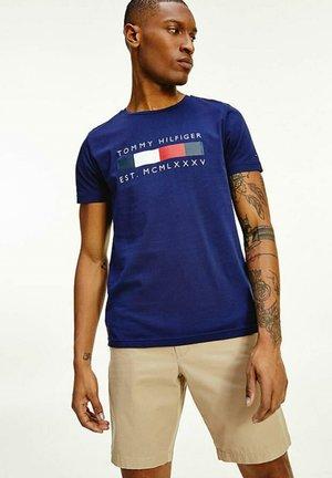 LOGO BOX STRIPE TEE - T-shirt med print - yale navy