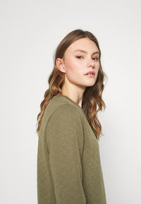 ONLY - ONLJOYCE O-NECK  - Sweatshirt - khaki - 3