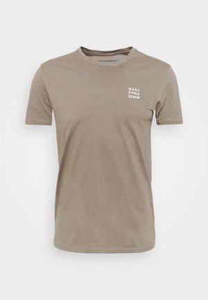 SHORT SLEEVE LOGO PRINT SMALL - Basic T-shirt - multi/pavestone