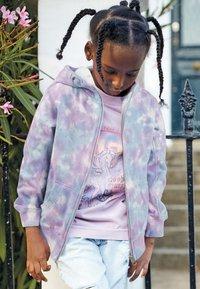 Next - FLURO - Zip-up hoodie - pink - 0