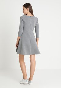 TOM TAILOR DENIM - SKATER DRESS ROUND - Sukienka z dżerseju - middle grey melange - 3