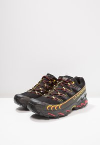 La Sportiva - ULTRA RAPTOR GTX - Obuwie do biegania Szlak - black/yellow - 2